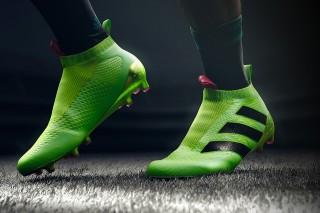 Futbolo bateliai salei