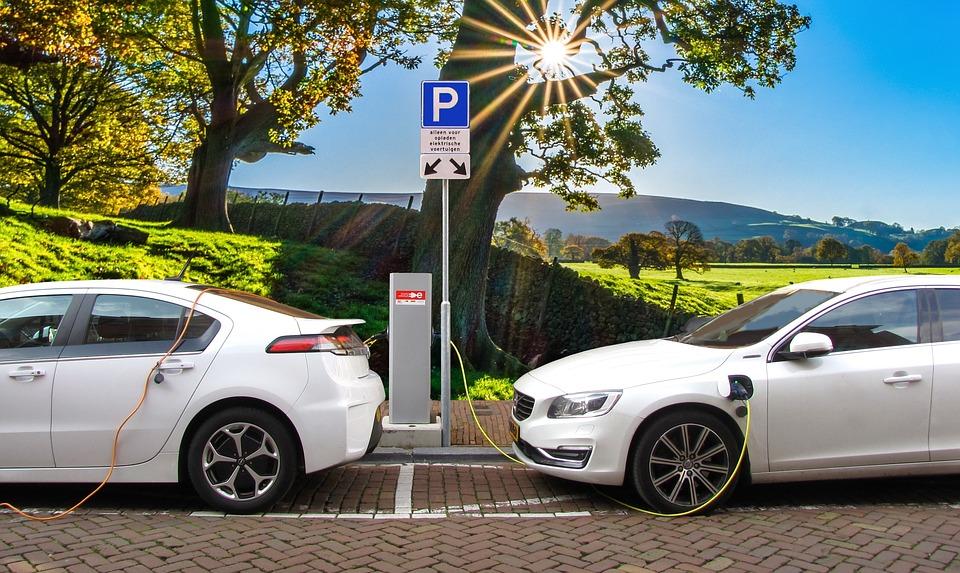 Kada elektromobiliai pranoks tradicines transporto priemones?